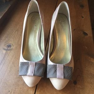 Seychelles Spacebar Nude Blush Pink Pumps